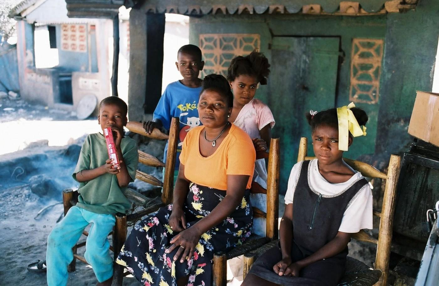 haiti_family1440x939